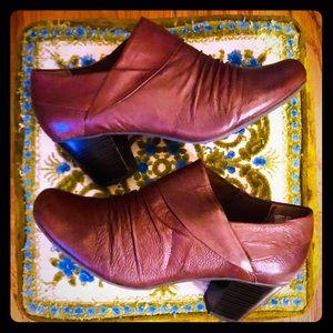 🔴🍂 Yuu Marsha brown leather shooties Size 10